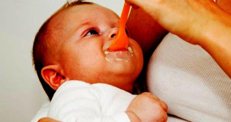 Как да храним детето си